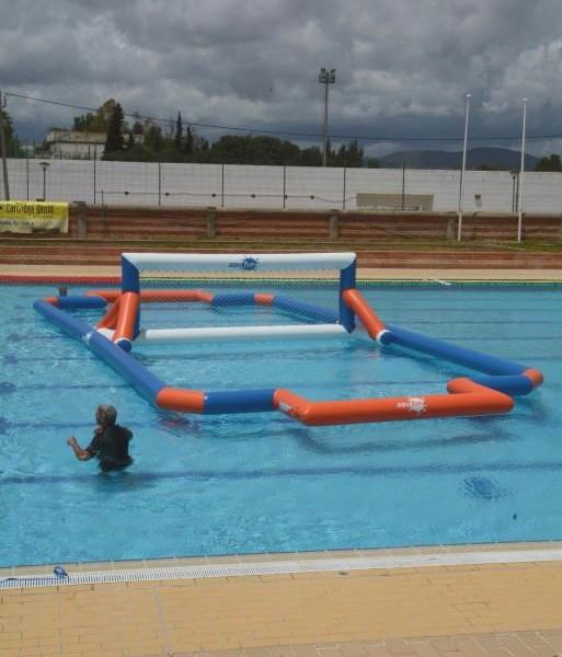 vente location jeux et parcs de structures aquatiques gonflables aquapark filet water volley. Black Bedroom Furniture Sets. Home Design Ideas