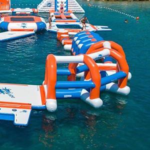 jeux parc gonflable aquatique